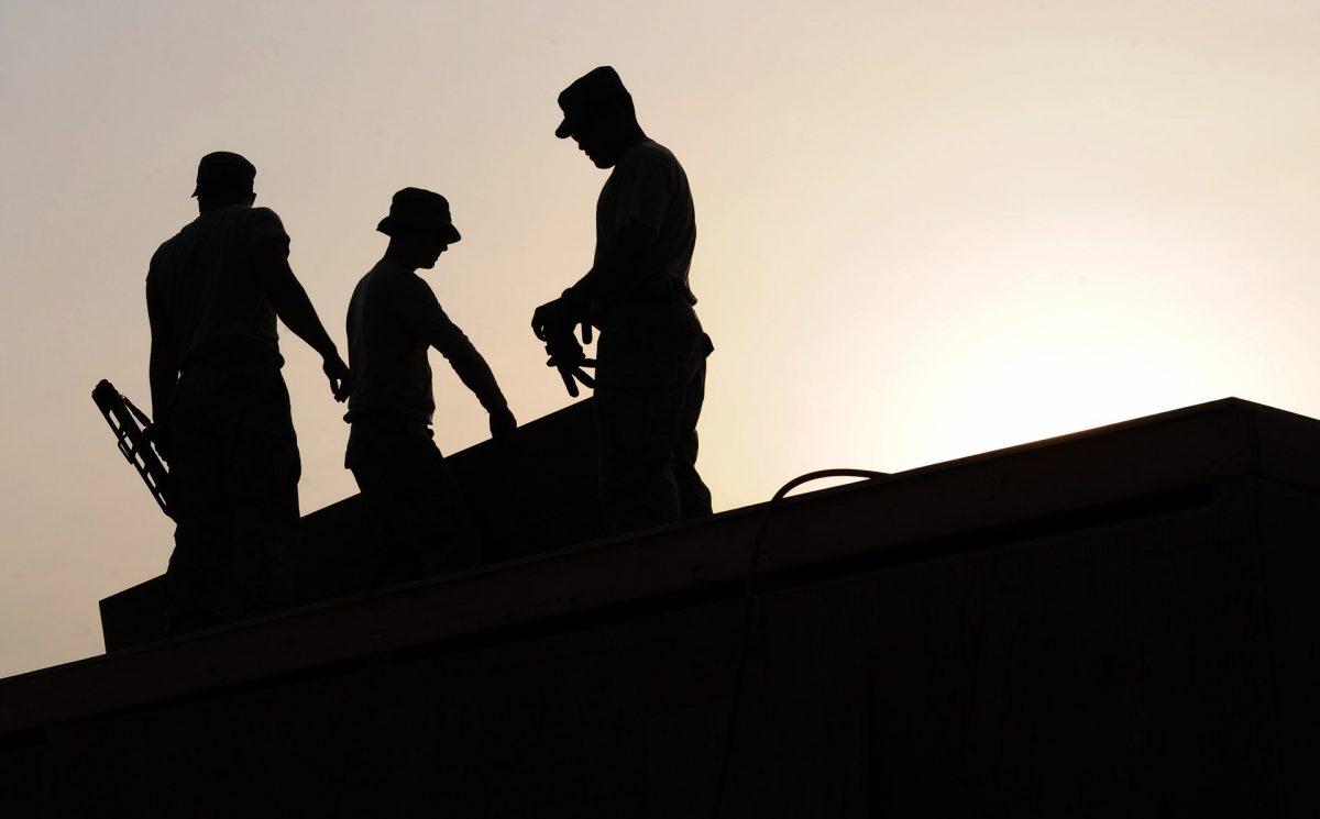 workers-659885_1920-1200x745.jpg